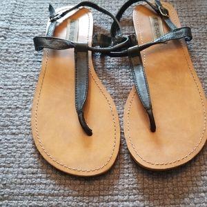 Steve Madden size 8 black strap sandals